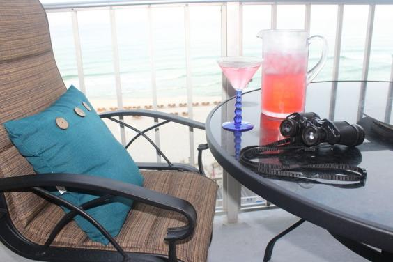 2BR/2BA Condo Right on the Gulf - Heated Pool / Beach Chairs Included