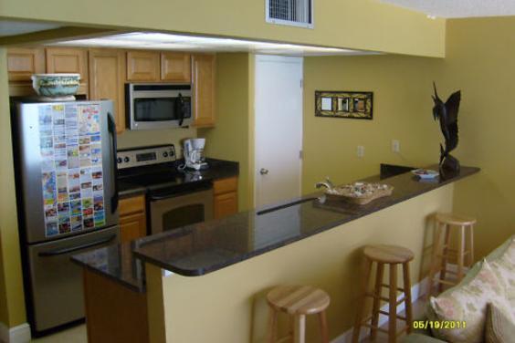 New kitchen w/granite countertops