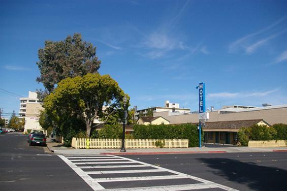 Garden_Motel_Redwood_City.jpg