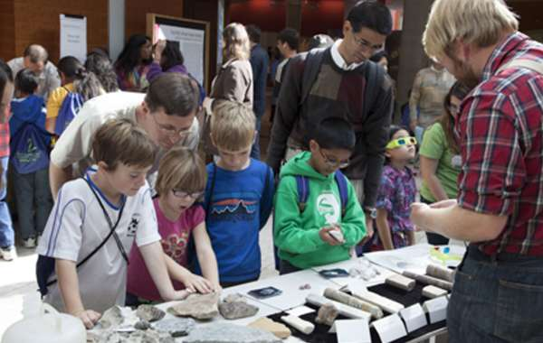 Saturday Science at Discovery: School of Rocks