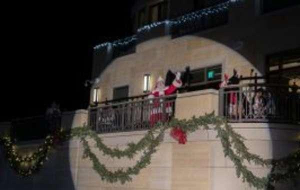 The Edgewater's 5th Annual Tree Lighting
