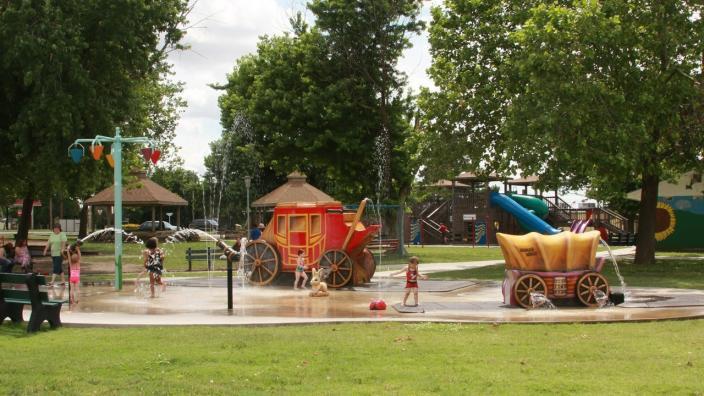 Doerr Vernon Park Splash Pad Larned Ks 67550