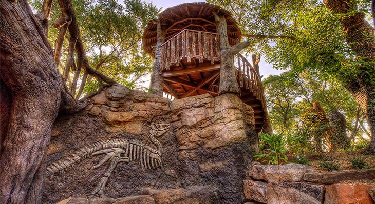 Dinosaur Skeleton at Botanica Wichita