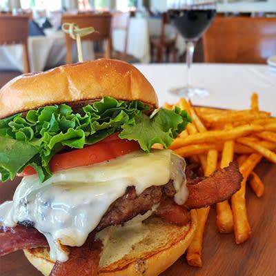 Falkner Winery Peppercorn Burger