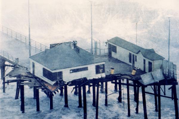 Must See: The Huntington Beach Pier
