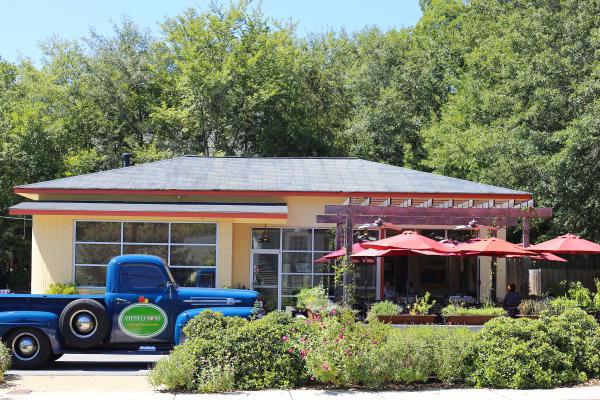 Heirloom Cafe exterior w Truck