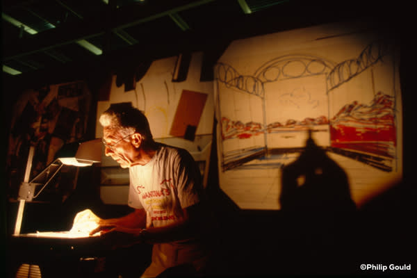 ©Philip Gould 90FEIN00918 Elemore Tatooed Walls 1990