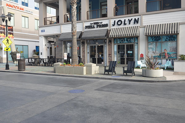 Holiday Shopping in Huntington Beach