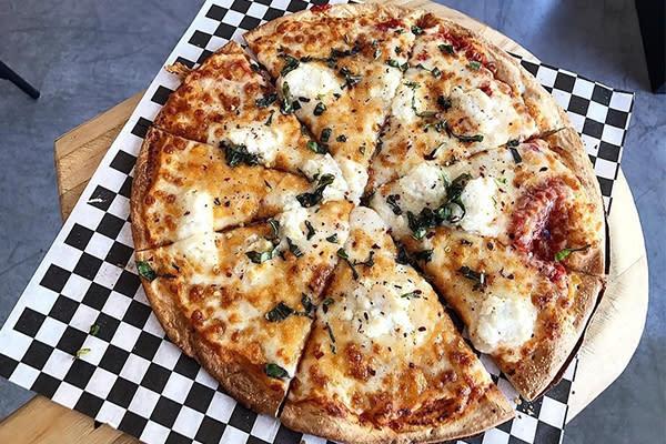 Huntington Beach Pizza Restaurant