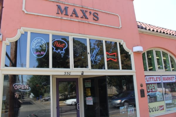 Max's Tavern by Ivan Freck