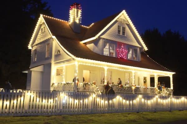Heceta Head Lighthouse B&B Holiday Lights
