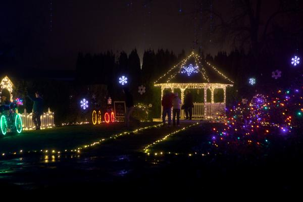 Christmas Holiday Lights at Village Green Resort