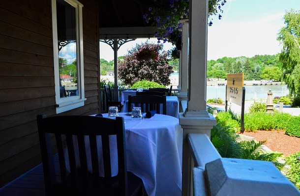 Dining on patio at Solo on Main