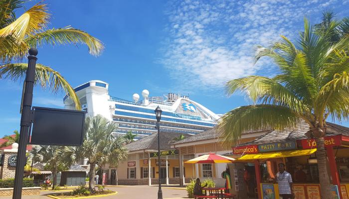 Falmouth Cruise Port: Patty Stall and Cruise Ship