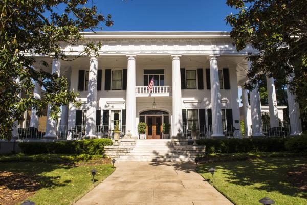 1842 Inn Wedding Venue