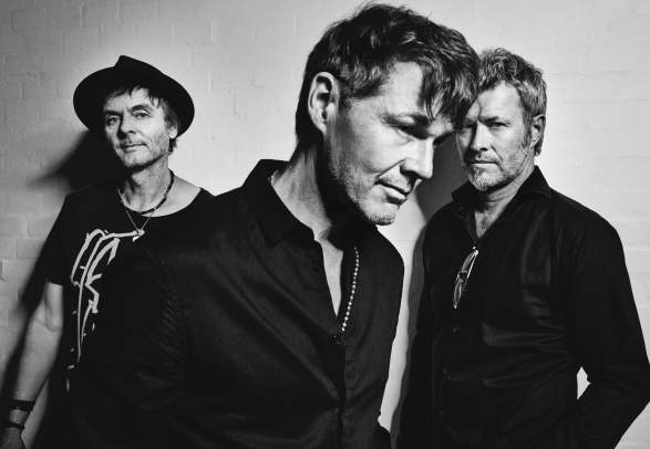 a-ha play Hunting High And Low live - Ny dato 26. april 2021