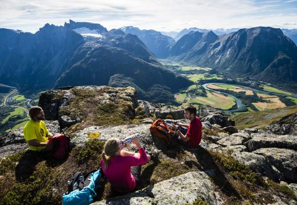 Hike the Romsdalseggen ridge