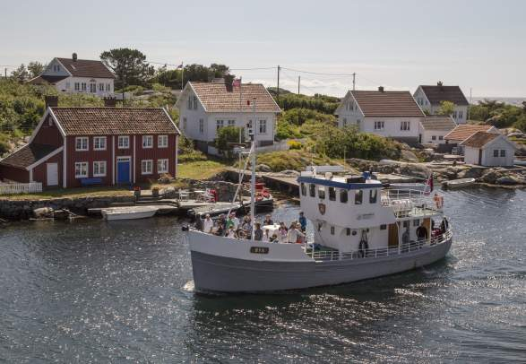 Boat sightseeing with M/B Øya Lillesand - Kristiansand - Lillesand