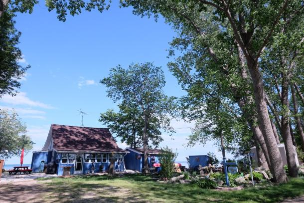 pelee island cottages