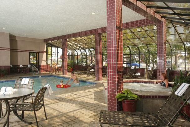 24-hr Indoor Pool & Hot Tub
