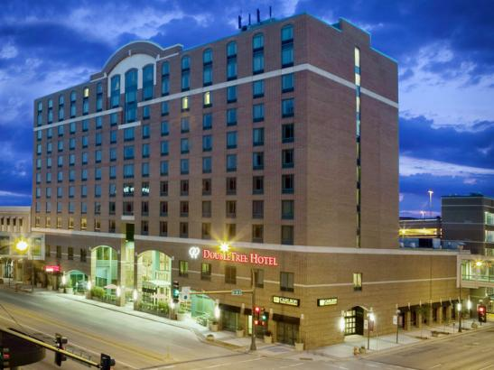 Exterior of the Doubletree by Hilton/Mayo Clinic Area