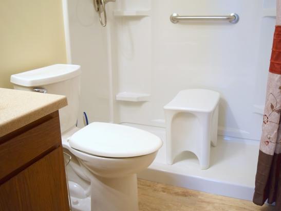 Annie's - Bathroom (2)