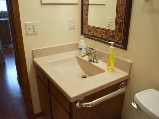 Annie's - Bathroom(1)