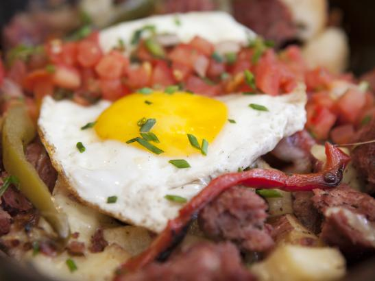 Breakfast Hash with house salsa | credit olivejuicestudios.com