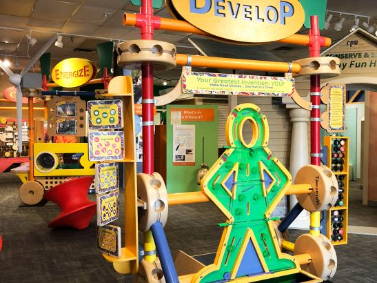 Tinker Toy exhibit | credit AB-PHOTOGRAPHY.US