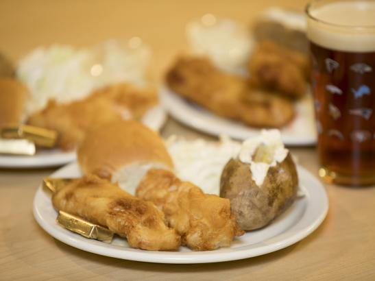 Friday Night fish fry is a Minnesota tradition | credit olivejuicestudios.com