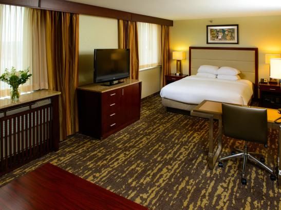 Enjoy Deluxe accommodations at the DoubleTree by Hilton