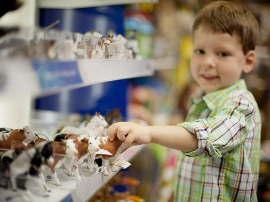Kids love shopping here | credit olivejuicestudios.com
