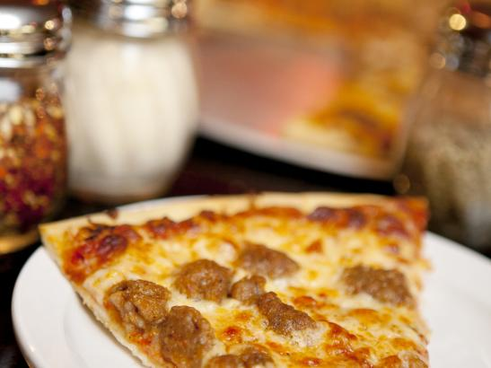 Pizza | credit olivejuicestudios.com