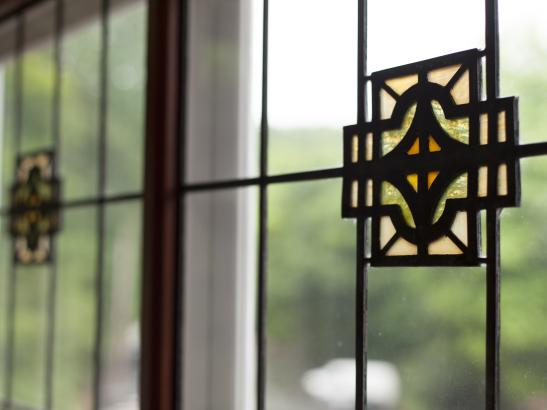 Ornate stained glass windows | credit olivejuicestudios.com