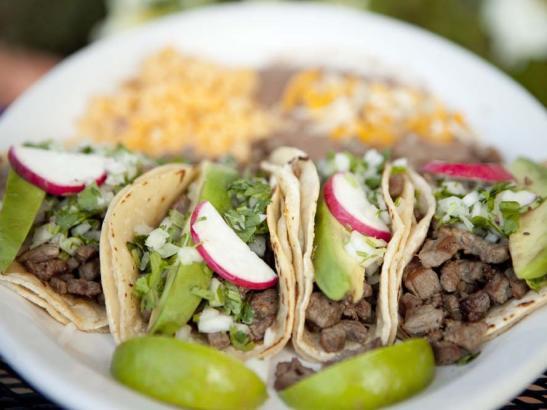 Enjoy both lunch and dinner | credit olivejuicestudios.com