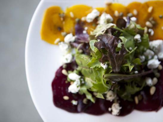 Side salad | credit olivejuicestudios.com