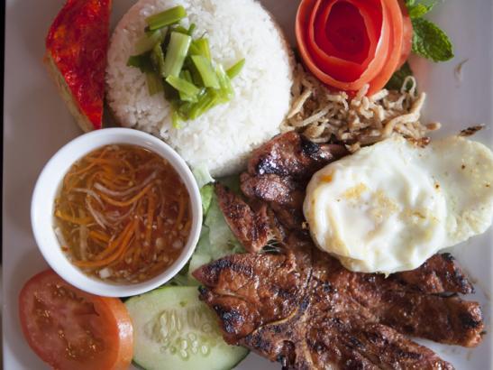 Homemade Vietnamese cuisine | credit olivejuicestudios.com