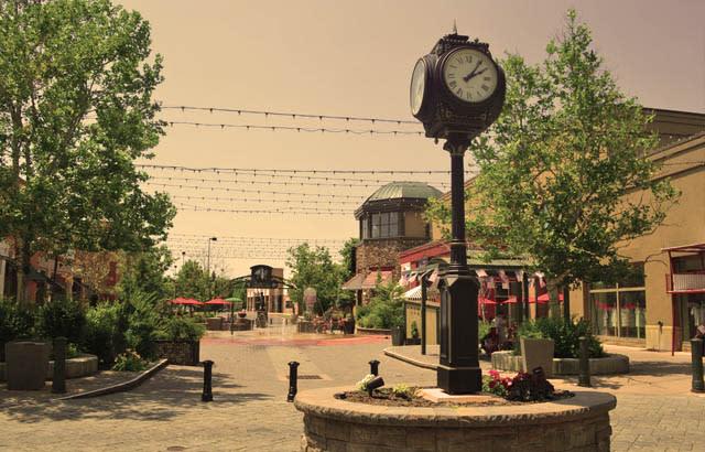 shops at riverwoods