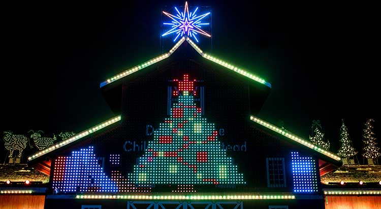 Deanna-Rose-Overland-Park-Christmas-Display