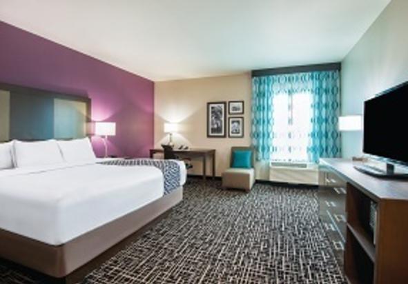 LaQuinta Inn & Suites Room