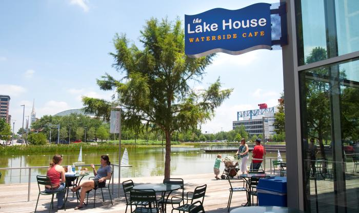 The Lake House Waterside Cafe in Houston