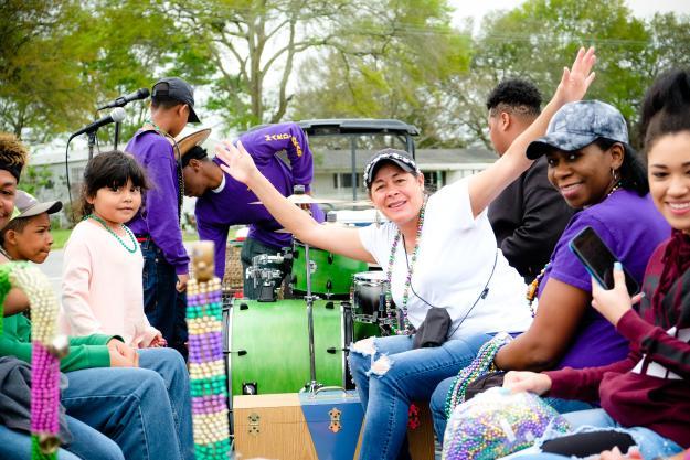 Iowa Chicken Run Float | Southwest Louisiana Mardi Gras