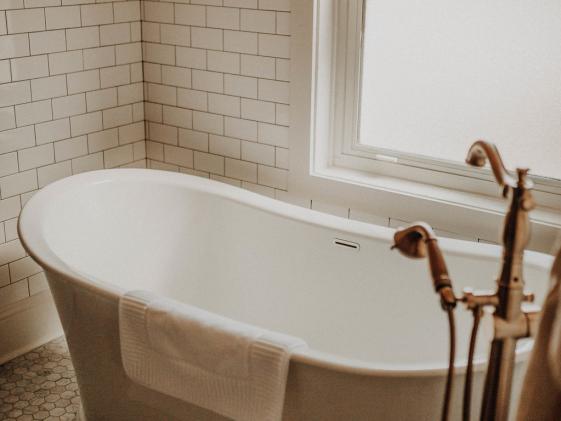 Soaking Tub Serenity Suite