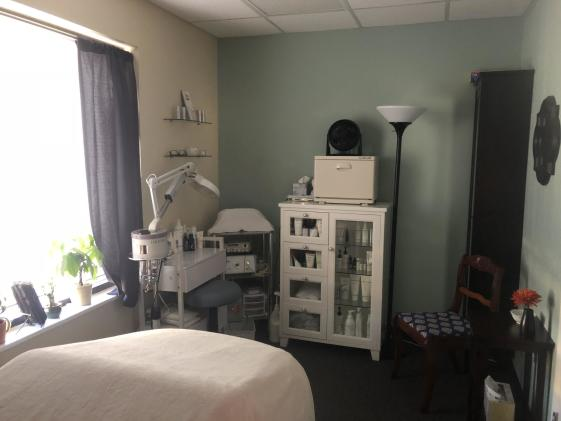 Our lovely Esthetics treatment room
