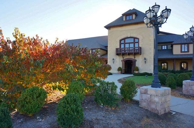 Chateau Morrisette Winery - Fall Photo