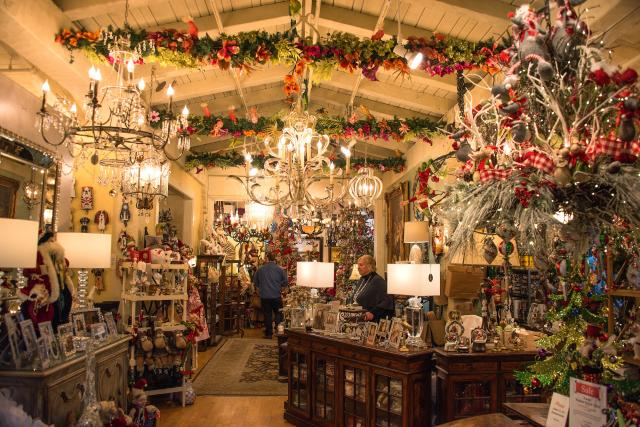 Christmas Shopping in Carmel