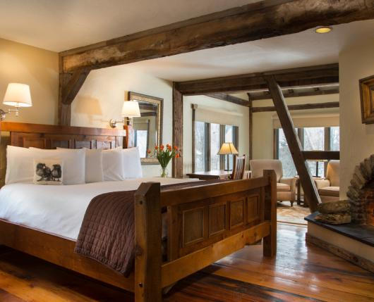 Fireplace Suites - Ideal for business travel and romantic getaways!