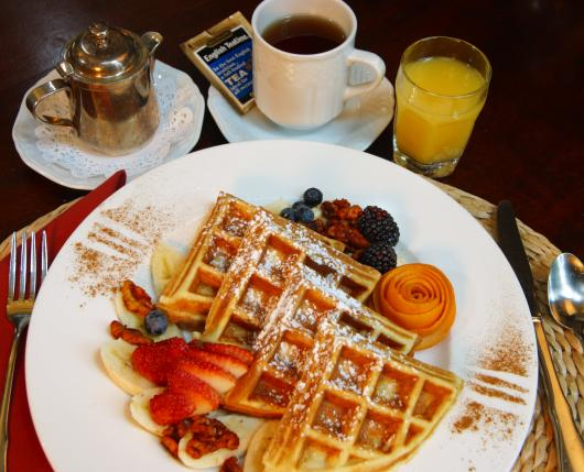 GlasbernInn_Breakfast_DiscoverLehighValley