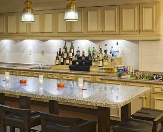 HiltonGardenAirport_Dining02_DiscoverLehighValley