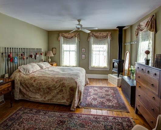 Landhaven_Bedroom03_DiscoverLehighValley